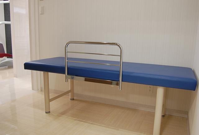 術後は医院で少しお休みください