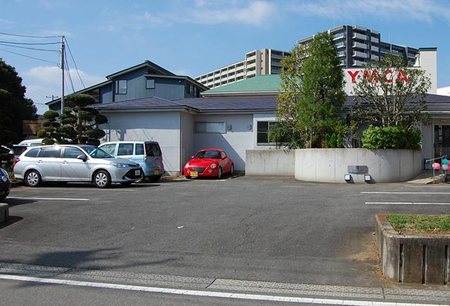 当院正面に駐車場完備